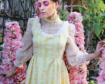 MEMORIAL SALE 1960s Vintage Maxi Dress BOHEMIAN Yellow Maxi Prairie Garden Tea Party Dress // Vintage Clothing by TatiTati Style on Etsy