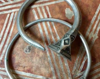 Tuareg Bangle & Tsabit Earhanger Necklace from the Sahara Tuareg Silversmiths