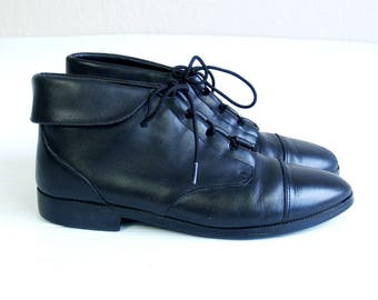 vtg 80s LACE UP black leather Ankle BOOTS flats 8 boho oxfords cuff grunge brogues preppy