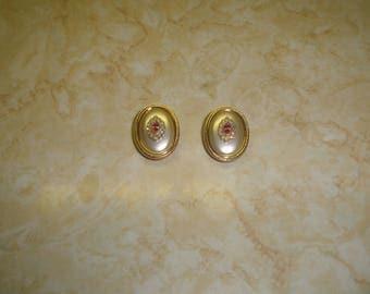 vintage clip on earrings goldtone faux pearl pink aurora borealis rhinestones