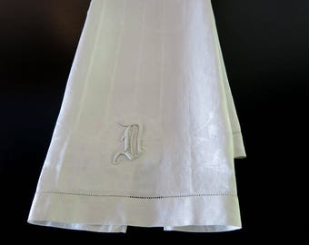 Victorian Towel White Huck Damask Linen D Monogram 18 by 33 Inches 522b