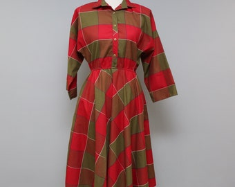 Vintage Shirt Dress Womens Size 7 8 Red Plaid Button Top Pockets
