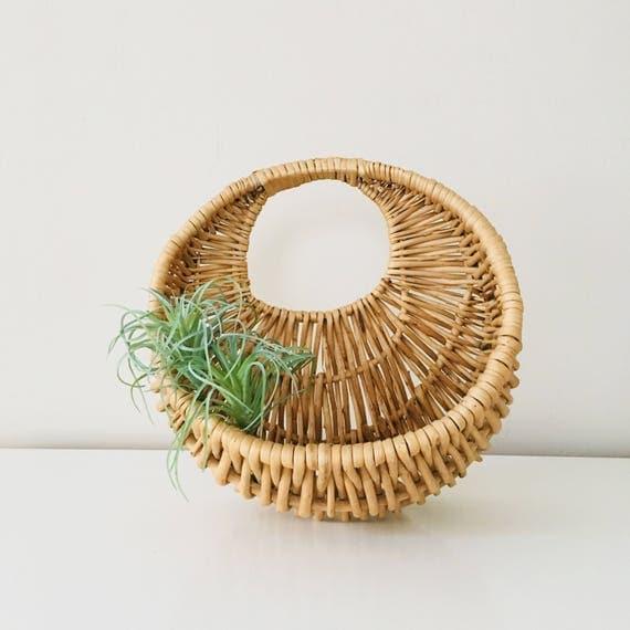 Vintage Woven Rattan Basket Round Wall Hanging Basket Plant Holder Wall Pocket Storage Basket Boho Decor