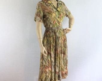 50s novelty print day dress - 1950s short sleeved sheer casual dress - medium
