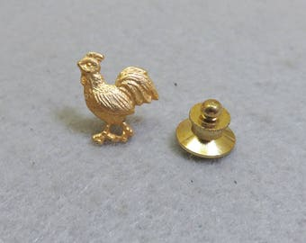 Strutting Rooster Vintage Tie Tack, Chicken Tack Pin, Gold Rooster Lapel Pin