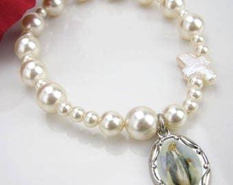 Rosary Pearl Bracelet,  Stretch bracelet, Cream pearl bracelet, Mother Mary charm bracelet, Baptism, Confirmation, Christmas Gift