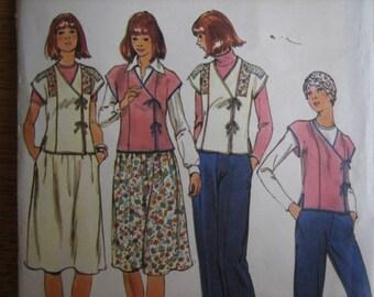 Butterick Pattern 4909 Misses' Top, Skirt & Pants      1970's    Uncut