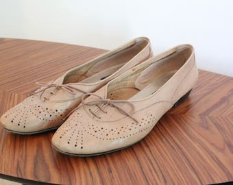 vintage nude oxford shoes lace up cut out
