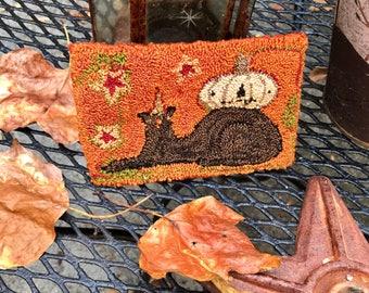 Jack Back Halloween Punchneedle Wool-backed shelf tuck bowl filler little rug