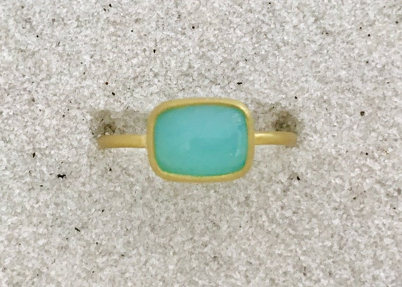 Real Peruvian opal and solid 22k gold ring