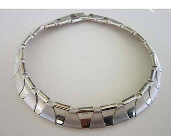 50% OFF Silver tone Matte plus Shine Triangle Choker Necklace