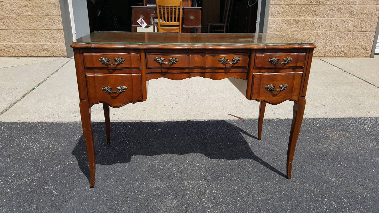Vintage Vanity Or Desk, Painting Inc., PICK UP ONLY, French Provincial,  France Bedroom, Make Up Table, Dressing Table