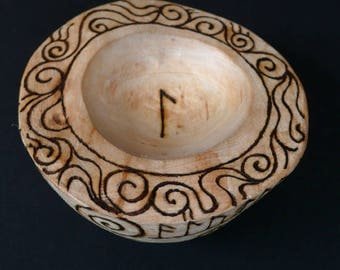 Small Alder Wood Bowl for Dreaming, Inspiration and Flow.