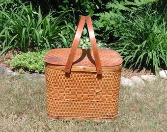 Vintage Picnic Basket - Wicker Picnic Basket with Wood Handles - Farmhouse Decor - Cottage