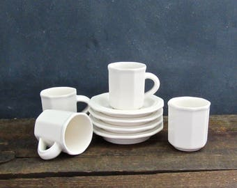 Set of 4 Pfaltzgraff Heritage White Flat Demitasse Expresso Cups and Saucers, Vintage Stoneware Demitasse, Farmhouse Decor