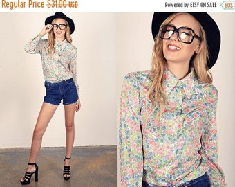 FLASH SALE 60s Daisy Blouse Vintage Print Colorful Pointy Collar Long Sleeve