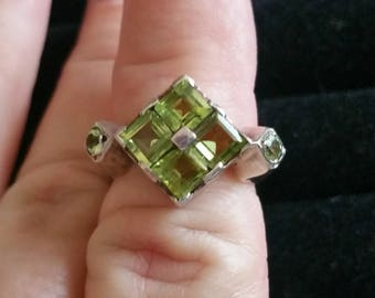 Vintage Sterling silver Peridot ring size 7.5