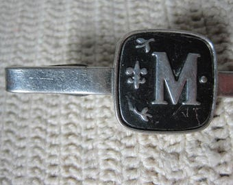 Vtg Skinny tie clip ''M'' monogram
