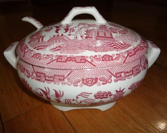 Vintage Pink Willow Covered Casserole Serving Dish with electrical warming unit in Vintage Condition that is both decorative and FUNctional
