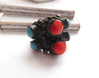 Vintage Tibetan Silver Turquoise Coral Oxidized Silver Statement Ring Size 7 Y12