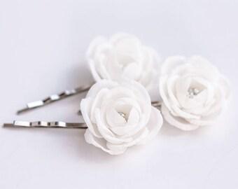 719_ Bridesmaid flowers hair pin, White flowers hair pin Bridesmaid gift, Bridesmaid small flowers, Flower bridesmaid flowers hair accessory