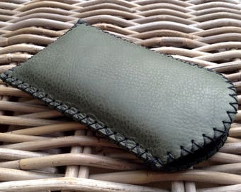CLEARANCE SALE! Handstitched in UK toned green leather mobile phone case with black zig zag stitch and black felt