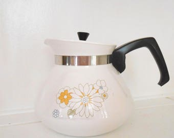 Corning Ware Tea Kettle, 1970s Floral Bouquet, White 6-cup Corningware, Tea Pot w Spring & Summer Daisies