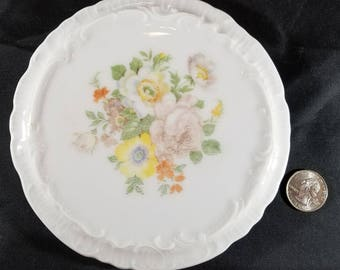 Porcelain Trivet Floral Design 1930s Japan