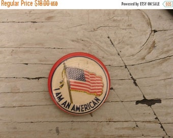 "ON SALE vintage ""i am american"" pin back button, USA america flag, patriotic"
