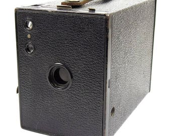 Kodak No2 Brownie Model F Vintage 1930s Art Deco Antique Box Film Camera