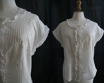 Vintage White shirt short sleeves, embroidery