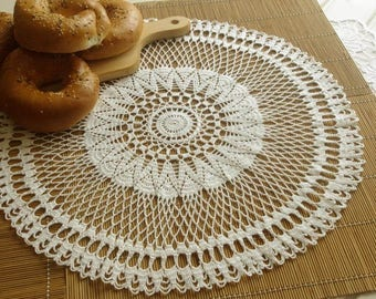 Round crochet doily Large doily White crocheted doilies White lace doily Vintage decor Large crochet doily Crochet tablecloth 382