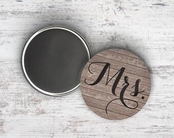 """Mrs Woodgrain 2.25"""" Magnet"""