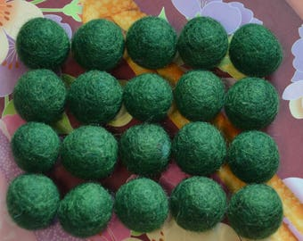 20pcs Dark Green Wool Felt Balls (1cm or 1.5cm)