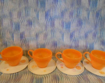 Vintage Childs Plastic Cups and Saucers