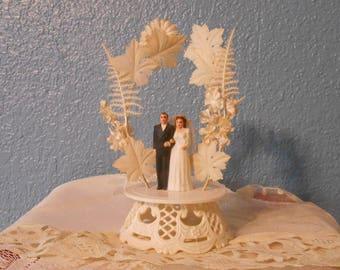 Vintage wedding cake topper, Vintage weddings, Bride and groom, Retro weddings, Kitschy wedding, Anniversary cake toppers, Bridal showers