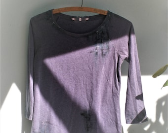 Medium Distressed Edgy Womens Tee