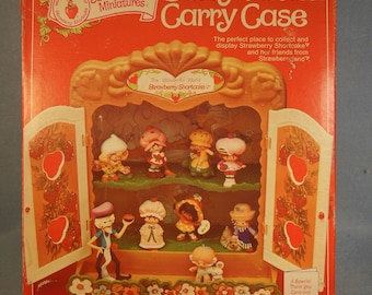 Vintage Strawberry Shortcake-Berry Patch Carrying Case-In Original Box