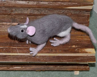 Needle Felted Rat, Grey and White Fancy Rat, Hand crafted in merino wool