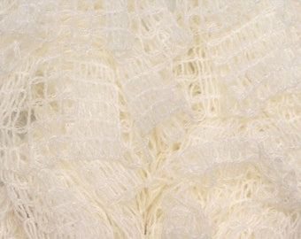 new model - white Plaid ruffles scarf