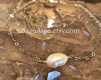 SageAine: Baroque Pearl Solitaire Gold Chain Bracelet, Wedding , Bridal, Bridesmaids, June Birthstone, Reiki Charged, Crystal Healing