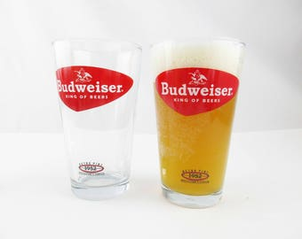 Two 'Retro Pint 1952 Collector's Series' Beer Glasses From Budweiser - Great Graphics in Red and Black - Pint Beer Glasses - Libbey Glasses