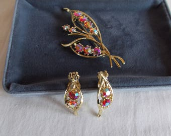 Vintage Red Aurora Borealis Clip Earrings And Brooch // 45