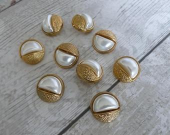 9 vintage buttons gold/pearl colour