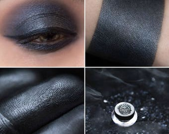 Eyeshadow: Mist - Undead. Bluish-gray satin eyeshadow by SIGIL inspired.