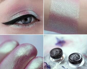 Eyeshadow: Lunar Twins - Fairy. Dusty pink satin eyeshadow by SIGIL inspired.