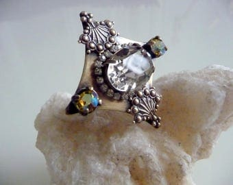 Crystal sweetheart ring