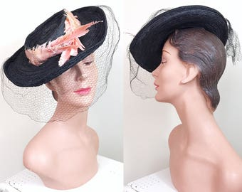 Vintage 1930s Hat / Tilt hat / Pink Feathers / Black straw / Netting