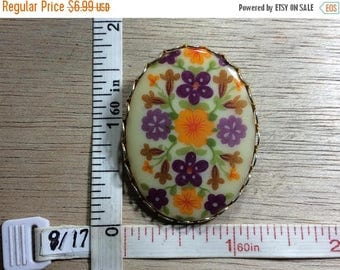 10% OFF 3 day sale Vintage Gold Toned Pin Brooch Oval Porcelain Flowers Used