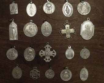 lot of 20 different religious medals in aluminium H